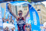 Gwen Jorgensen takes the victory at the 2014 Hamburg World…