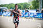 Jonathan Brownlee on the run stage of the 2015 London…