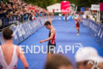 Jonathan Brownlee finishes after bike trouble at the 2015 London…