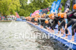 Pro Women compete on the swim at the 2015 London…