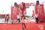 Holly Lawrence claims victory at the 2016 Beijing International Triathlon…